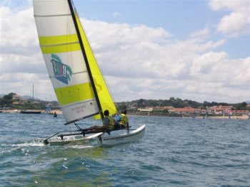 Catamaran hobiecat hc16  stage de voile yachtclub basque